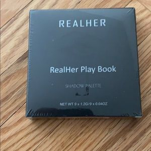 RealHer Play Book Eye Shadow Palette II